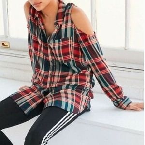 URBAN OUTFITTERS -  Cold Shoulder Plaid Blouse